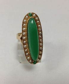 Marchiza ring  18k yellow gold, green jade, pearl and emerald,  France 1950 - 1970