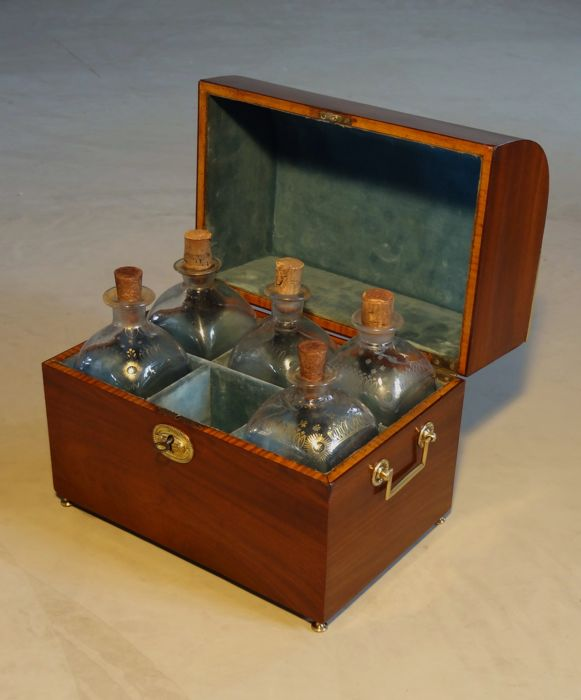 An Empire mahogany liqueur chest - The Netherlands – circa 1800/1810