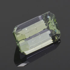 Green tanzanite – 1.01 ct – No reserve price.
