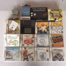 Nintendo DSi  including 11 games