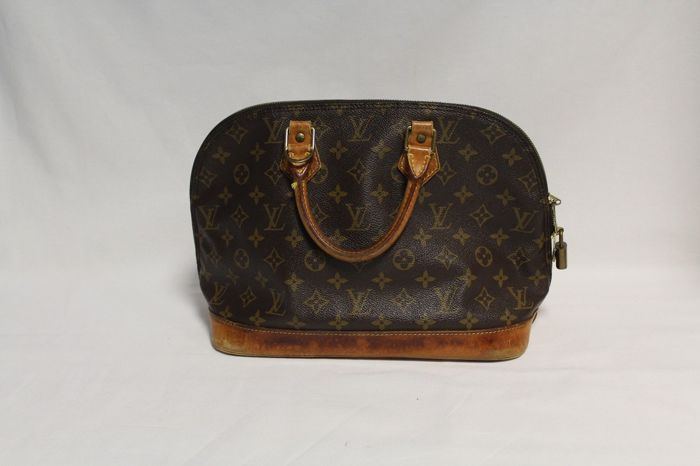 Louis Vuitton - Monogram Alma PM Hand Bag - *No Minimum Price*