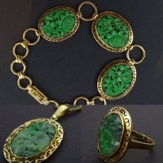 14 kt gold vintage demi parure with Jadeite stones, 4 parts