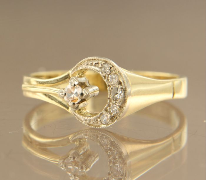 14 kt bi-colour gold ring set with 6 single cut diamonds, approx. 0.16 carat in total, ring size 17,5 (55).