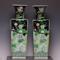 Pair of large porcelain vases - Scene of birds and flowers - China - Second half of 20th century