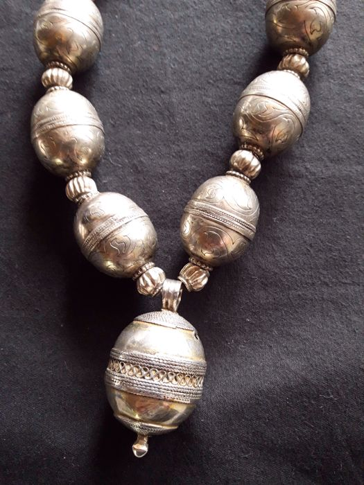 Silver necklace - Turkmenistan - 2nd half of 20th century
