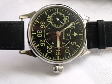 29 Molnija Pilot military style wristwatch  - 1950-55
