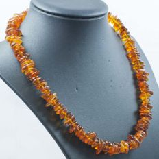 18 kt Gold Necklace with Baltic Amber - 46 cm