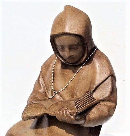 Large statue of a monk reading - Belgium - hollow limestone - monastery object - 1st half 20th century