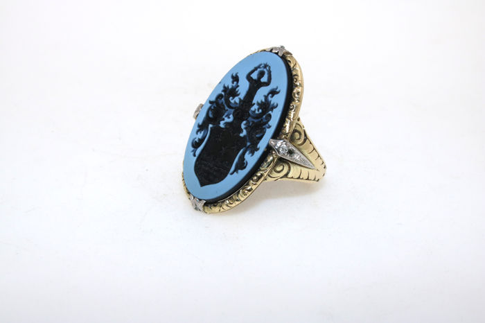 Antique layered stone crest cameo ring, circa 1920 with 2 diamonds in antique cut