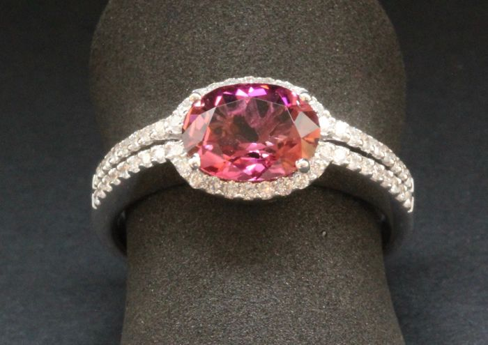 18 kt (750) white gold women's fantasy ring with tourmaline and diamond 0.33 ct - size 55