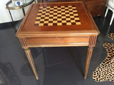 Games table from the 1950s