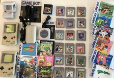 Huge Gameboy collection - 2 Game Boy Classic including  19 games