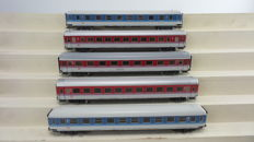 Märklin H0 - 4226/4227/4248/ 4281/4282 - 5 express train carriages in the modern livery of the DB