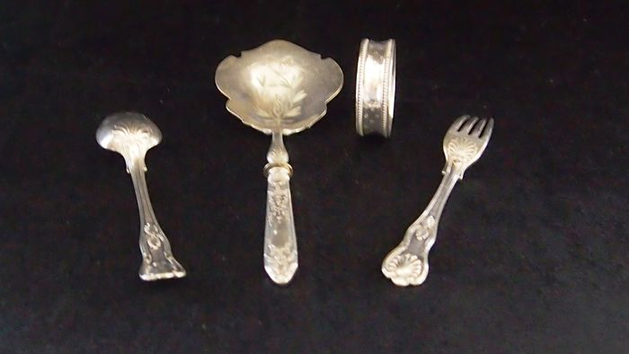 Small serving spoon for fruit with fork and spoon set, Silver