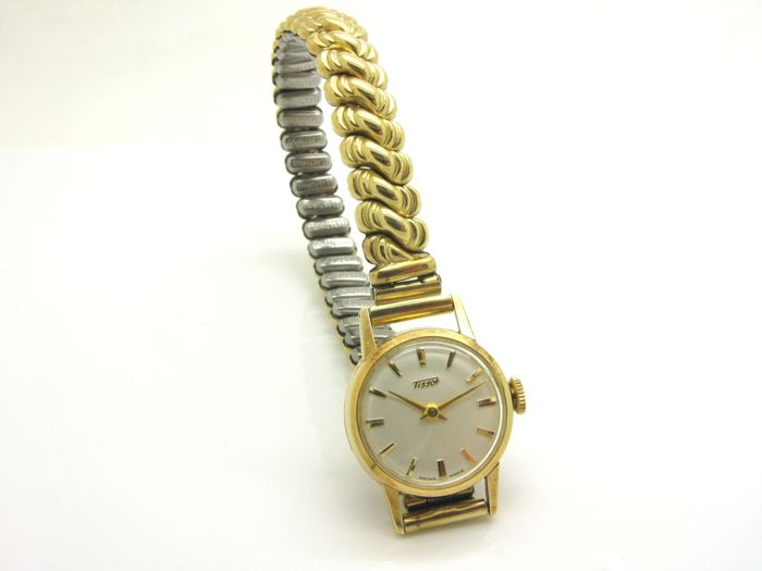 Women's Tissot watch, 14 kt solid gold casing, 1950s, in excellent condition.