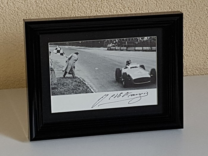 JM Fangio (RIP) - 5x worldchampion Formula 1 - hand signed framed photo + COA