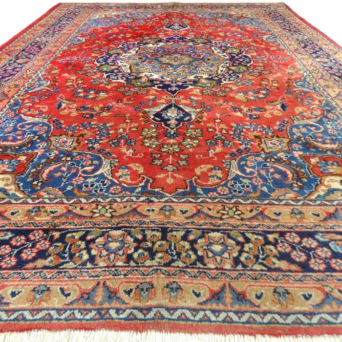 "SC7Sarough - 296 x 201 cm - ""Elegantly tooled Oriental rug in beautiful condition"" - With certificate."