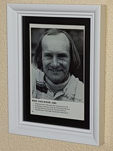 Mike Hailwood (RIP) -  4x Worldchampion Formula 1 - hand signed framed photo