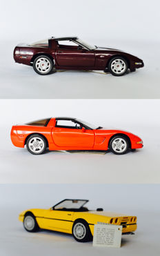 Franklin Mint - Scale 1/24 - Corvette convertible 1986 - Yellow, Chevy Corvette 199340th Anniversary - Dark red  & Corvette 1997 - Red