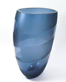 Roberto Beltrami (Murano) - vase with grey bands (31 cm)