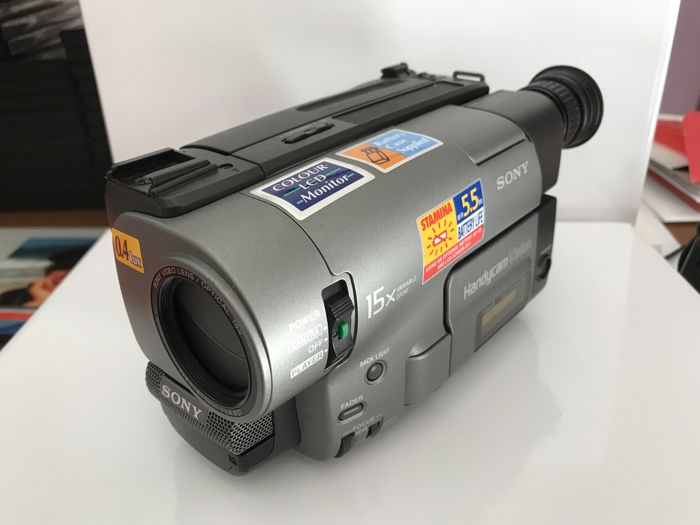 Camcorder SONY CCD- TRV14E with all accessories + Roll Master indoor lighting equipment