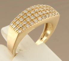 14 kt yellow gold ring set with 48 brilliant cut diamonds, in total approx. 0.50 carat – ring size 16 (50)