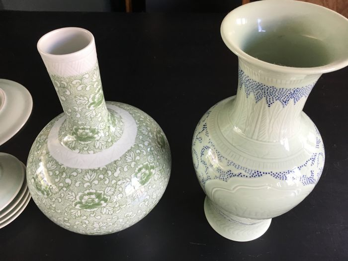 Lot with various Celadon items – China – 21st century