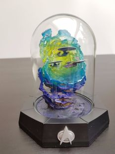"Franklin Mint - Star Trek Limited Edition sculpture under a bell jar - ""All Good Things"""