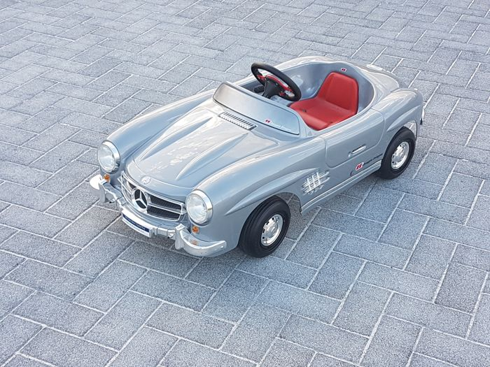 Plastic Mercedes 300 SL pedal car, early 21st century