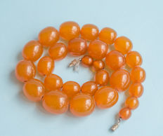 Art Deco Baltic Amber necklace, old honey butterscotch Amber, 39 gram, No reserve