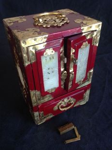 Vintage Chinese musical jewellery box - Bronze - Comes with original padlock - China - Circa 1960/1980