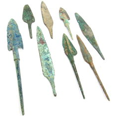 Fine Selection of 8 Bronze Age Arrowheads - 78-144 mm (8)