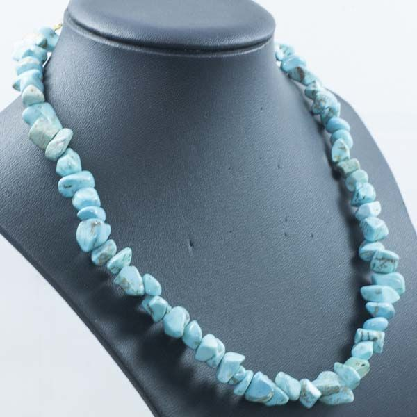 Necklace of turquoise scale with 18 kt gold clasp - 45cm  – ***No reserve***