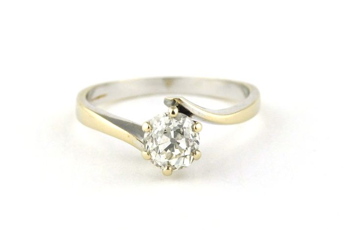 "Diamond  Solitaire (+/-0.65ct H / SI1) set on 18k White Gold prong-setting Engagement ""Twist"" Ring - E.U Size 52 *Re-sizable"