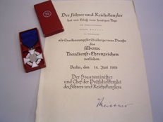 WWII award, 25 years service with ribbon in original case with certificate