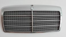 Mercedes Benz - chromed radiator grille W124 E500