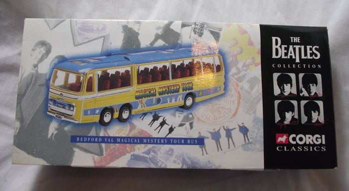 The Beatles collection, Corgi Classics( 1997 ). Bedford Val Magical Mystery Tour Bus( 35302 )