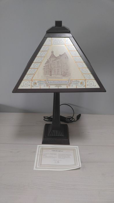 Table lamp; with buildings and 18 carat gold finish - including certificate.