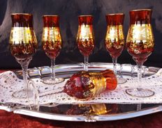 Lot consisting of 6 tulip shaped crystal glasses with 24kt gold decorations - France - 1920 circa