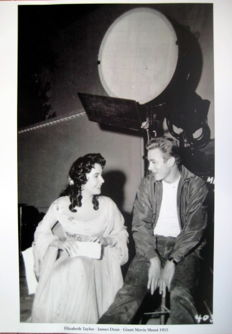 Elizabeth Taylor/James Dean - Giant Movie shoot 1955 (Great Photo Print)