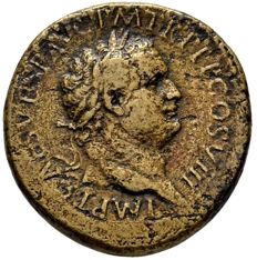 Roman Empire - Titus (79 - 81 A.D.) orichalcum sestertius (26,75 grs. 31 mm.) minted in Rome, 80 A.D. ANNONA AVG. Annona with modius y corn ears. Rare.
