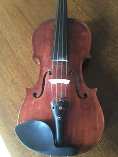 VIOLIN 4/4 - NICOLAS BERTHOLINI - Luthier of his Majesty of the Court of France - Fecit anno 1810 + bow + storage box
