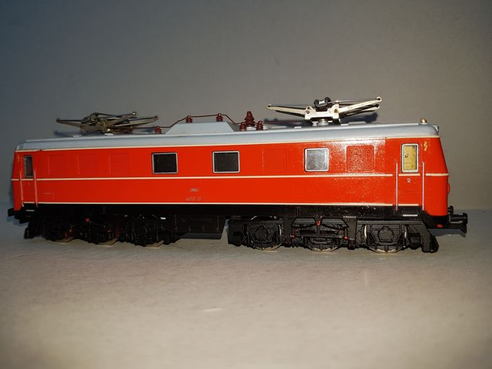 Kleinbahn H0 - E-locomotive BR 1010 of the ÖBB.