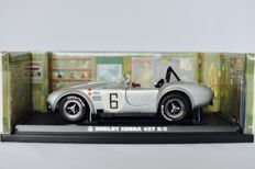 Kyosho - Scale 1/18 - Shelby Cobra 427 S/C Racing Screen Silver