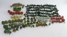 Scenery N/TT/H0 - Tree batch with +/- 235 trees, various types and sizes for model tracks.