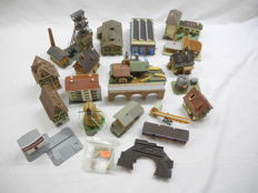 Vollmer/Faller N-2190/and others - 22-piece lot with houses, including 2x locomotive shed, water mill and mine [121]
