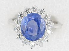 Gorgeous ring with unheated Ceylan sapphire and diamonds, 4.64 ct - Size: 55 - Lab certificate