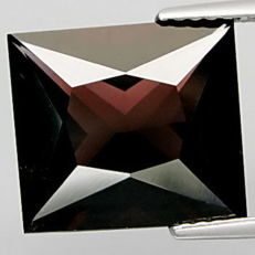 Spinel - 7.12 ct .    ***No Reserve***