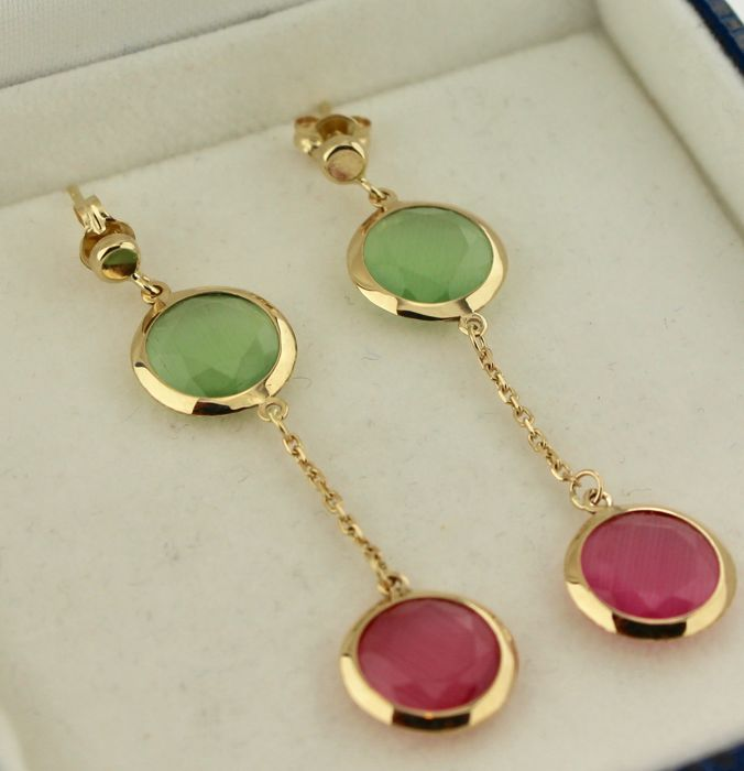 14 kt Yellow gold earrings, set with peridot and quartz – Size: 10 x 40 mm