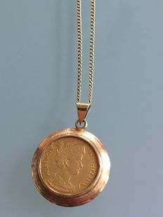 Gold necklace with pendant of gold 5 guilder coin